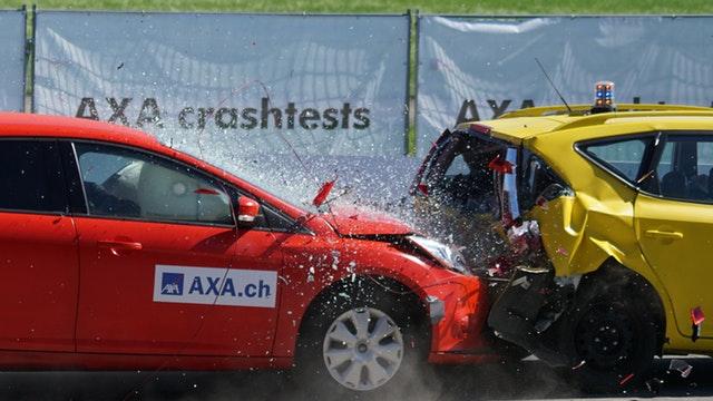 crash-test-collision-60-km-h-distraction